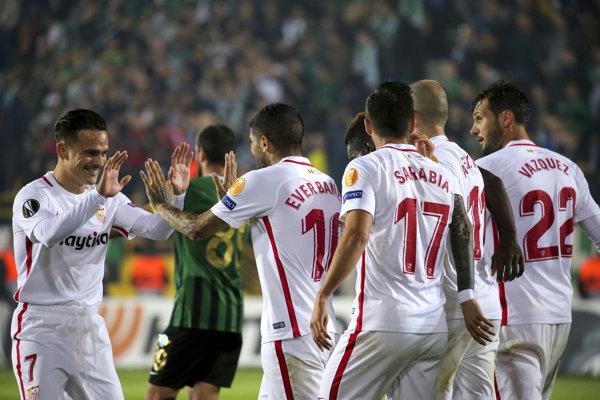 Futbalisti FC Sevilla - ilustračná fotografia.