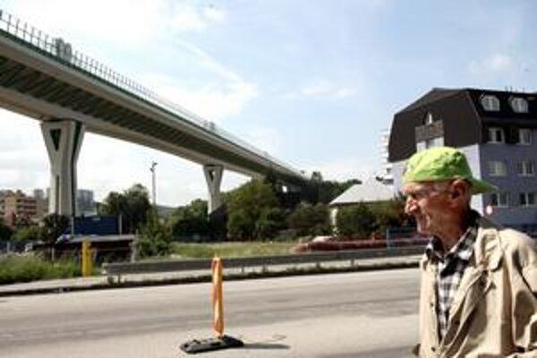 Aj diaľničný most ponad mesto spôsobil, že sa ľudia v Považskej Bystrici viac občiansky angažujú.