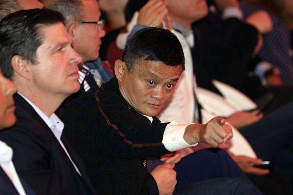 Ma je najbohatším človekom v Číne s majetkom v hodnote 35,8 miliardy dolárov, ako uviedol časopis Forbes.
