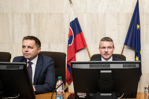 Premiér Pellegrini navrhol Kažimíra na post šéfa NBS.