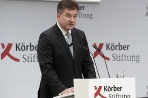 Minister zahraničnia Miroslav Lajčák rezignoval pre rozhodnutie parlamentu o Globálnom pakte OSN.