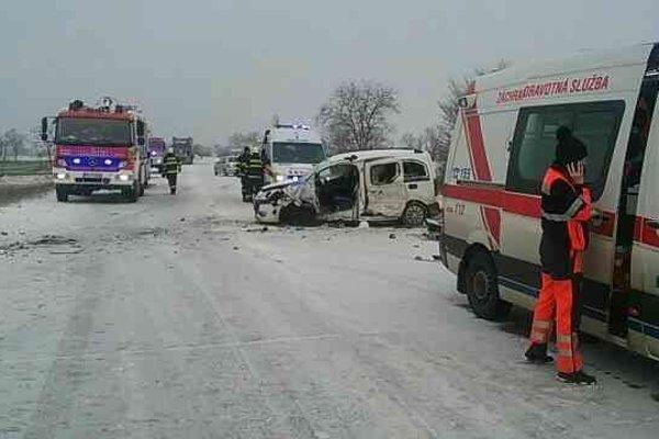 Nehoda pri Senci. Zdroj: KR HaZZ
