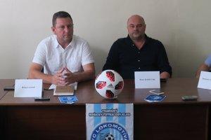 Športový riaditeľ Lokomotívy Róbert Jano st. (vľavo na predsezónnej tlačovej konferencii.