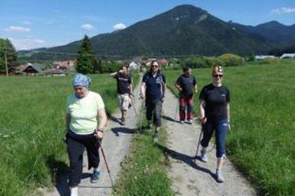 Severská chôdza je nenáročný šport vhodný pre každého.