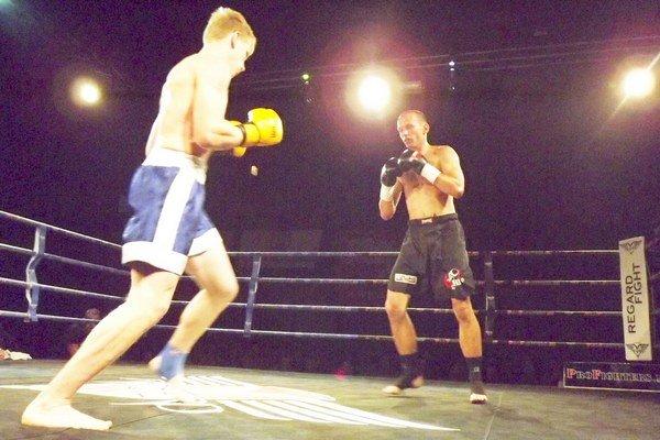 Predstaví sa v ringu. Skúsený Martin Navrátil (vpravo)