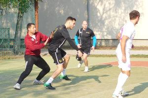 Spojením dvoch súťaží vznikla liga spätnástimi účastníkmi.