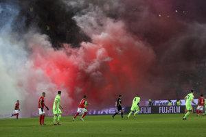 Pôsobivá momentka zo zápasu Mainz-Hannover.