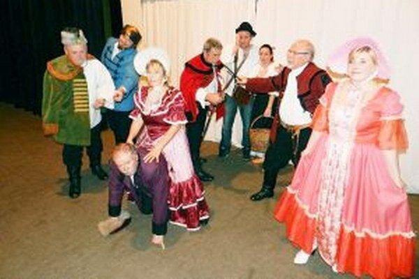 Autorom dramatizácie Prekazená voľba je Peter Vrlík, divadelná scéna Matičiarov ju naštudovala pod vedením režiséra Emila Hižnaya.