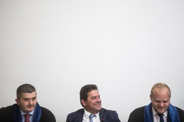Marian Kočner s obhajcami na Najvyššom súde.