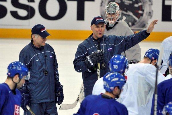 Jerguš Bača a jeho kariéra, 50.narodeniny Tréning slovenskej hokejovej reprezentácie počas voľného dňa hokejových MS v Helsinkách 16. mája 2012. Na snímke asistent trénera Jerguš Bača a hlavný tréner Vladimír Vůjtek.