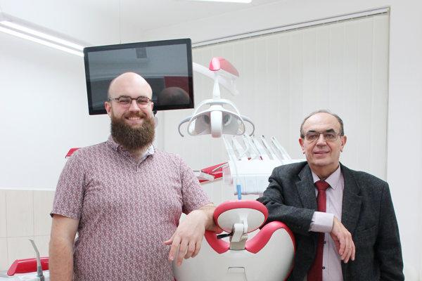 Úspešnú stomatologická kliniku Petramed vedú otec so synom.