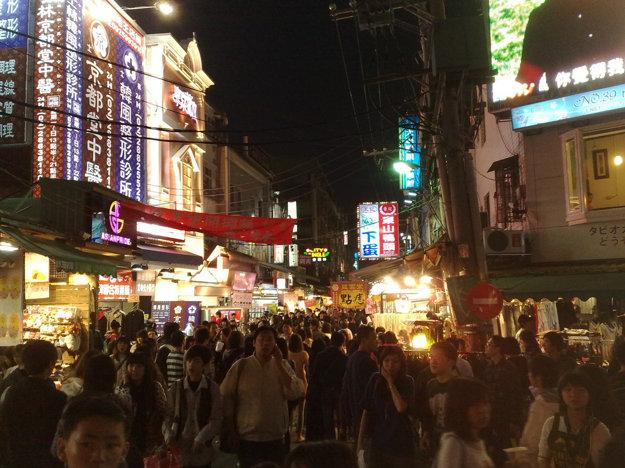 Nočný trh Shilin.