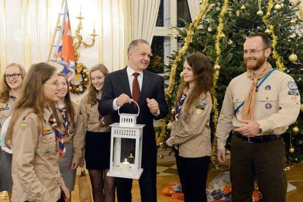 Svetlo z Betlehema víta prezident každý rok.