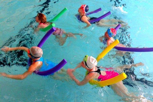 Žiakom sa vo vode páčilo a veľa sa naučili. Zo všetkých neplavcov sa stali po výcviku plavci.