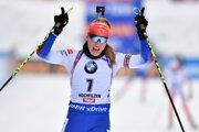 Paulína Fialková skončila v stíhacích pretekoch v rakúskom Hochfilzene na skvelom druhom mieste.