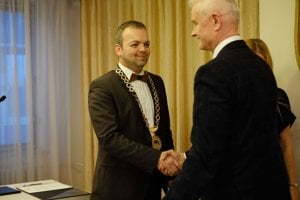V kresle starostu Terasy už úraduje Marcel Vrchota.