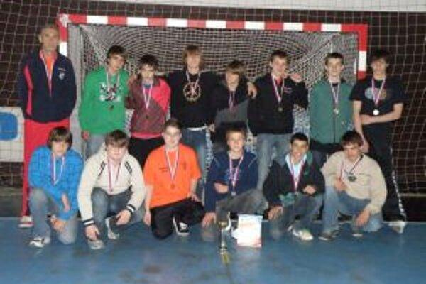 Žiaci ZŠ Slovanská Pov. Bystrica pod vedením Dušana Porubského získali bronz na majstrovstvách Slovenska.
