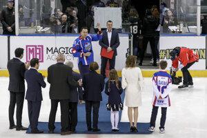 Miroslav Šatan so svojou rodinou.