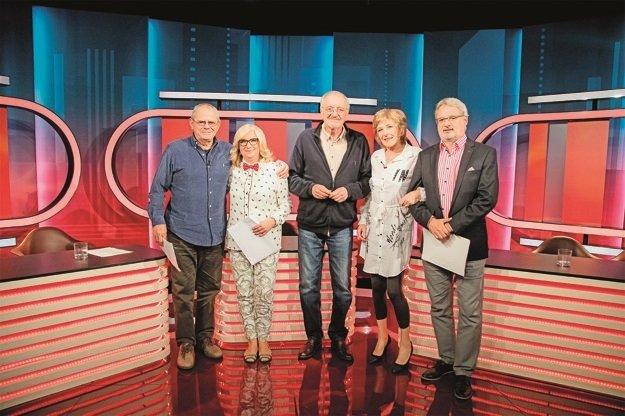 Stabilná zostava talkshow Sedem: Milan Kňažko, Elena Vacvalová, Milan Lasica, Oľga Feldeková a Marián Leško.