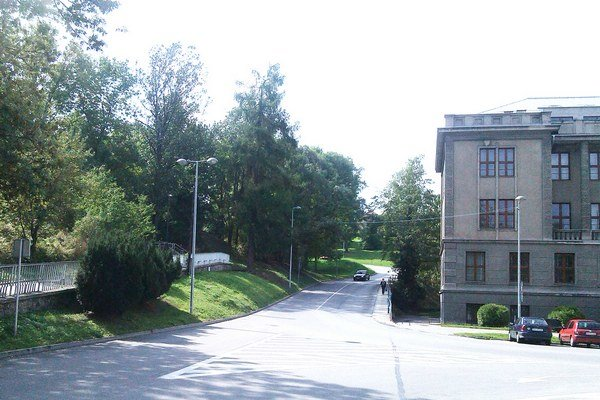 Investor hovorí, že plocha pri Liptovskom múzeu má veľký potenciál.