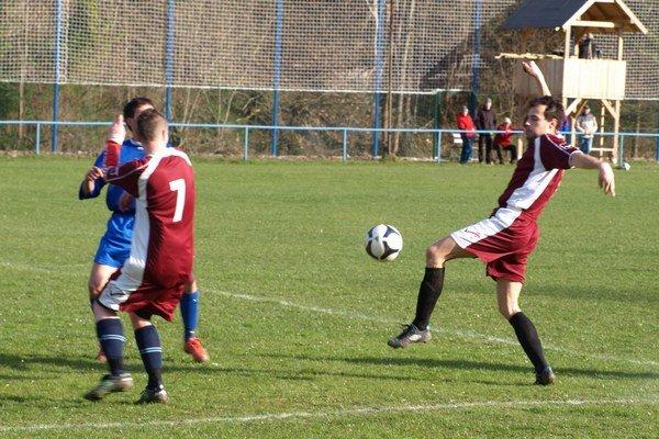 Do konca zápasu hostia už nič nevymysleli, a tak si Iľanovčania pripísali tri body.