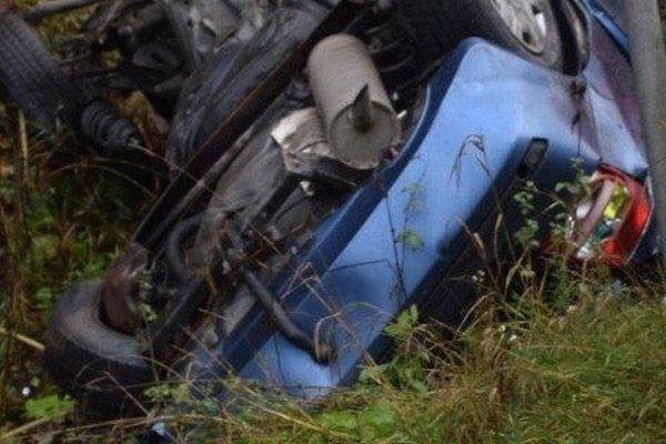 V osobnom aute neprežili zrážku s kamiónom traja ľudia.