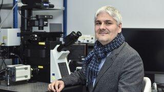 Biochemik: Všetko dôležité o testovaní a o tom, či vláda počúva vedcov