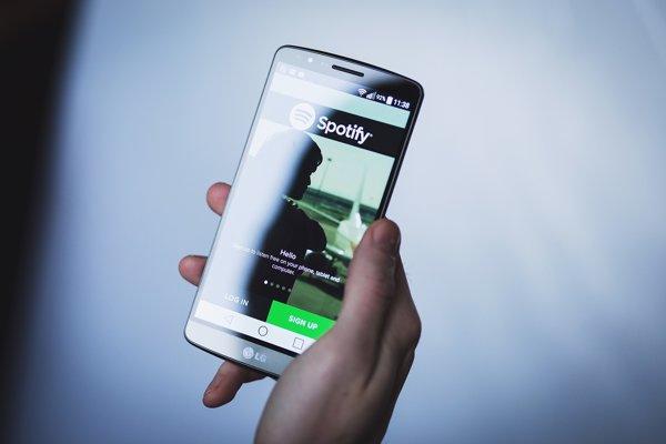 Spotify je hudobná služba. Startup pochádza zo Švédska.