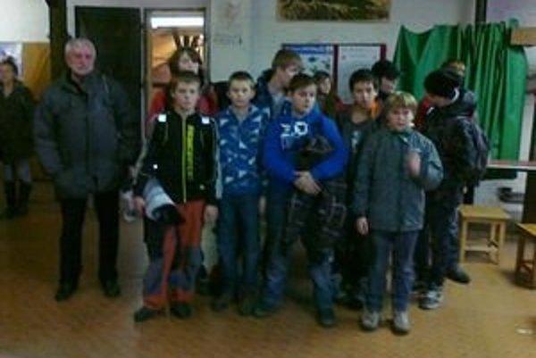 Mladí strelci Liptova pred Vianocami súťažili.