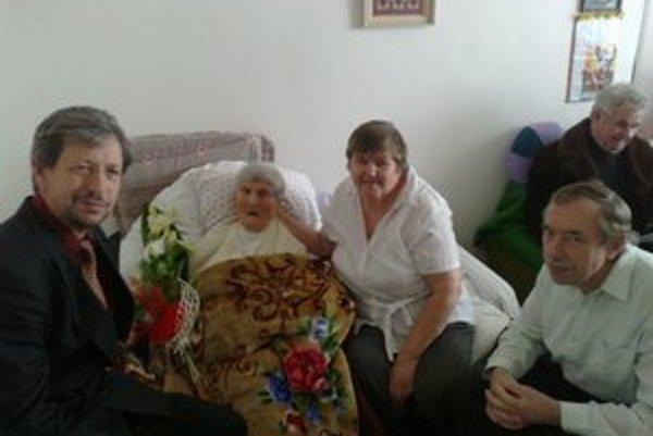 Anna Balašová je podľa Registra obyvateľov Slovenska najstaršia obyvateľka, má 108 rokov.