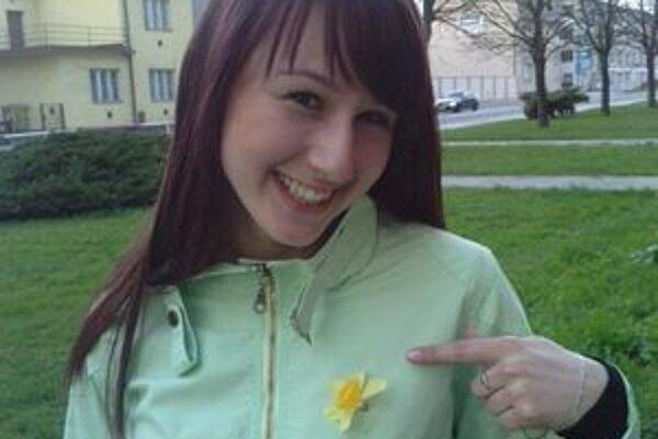 Deň narcisov podporila aj študentka dubnického gymnázia Katka.