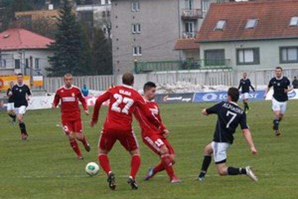 Ružomberok zdolal svojho dlhoročného rivala Duklu Banská Bystrica.