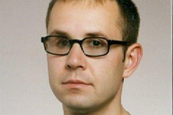 Od nedele 14. apríla predpoludním nedal Peter Macoszek o sebe vedieť.