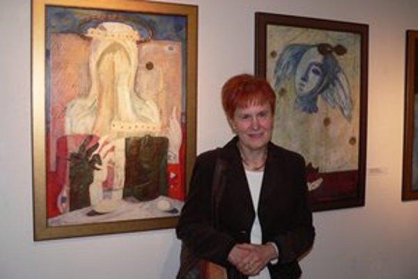 Manželka Júliusa Szabóa sa zúčastnila na otvorení výstavy, ktorá sa mohla uskutočniť vďaka jej ústretovosti požičať diela z pozostalosti jej manžela.