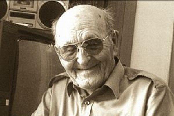 Rudolf Kmeť sa narodil v roku 1912 v Bobrovčeku.