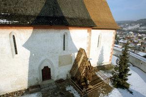 Kostol v Čeríne patrí k najvýznamnejším ranogotickým pamiatkam.