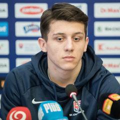 Kapitán reprezentácie do 20 rokov Martin Fehérváry počas tlačovej konferencie po príchode slovenskej hokejovej reprezentácie do 20 rokov z MS v Kanade.