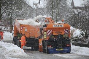 Veľké časti na juhu Nemecka a Rakúska boli zasiahnuté silným snežením.