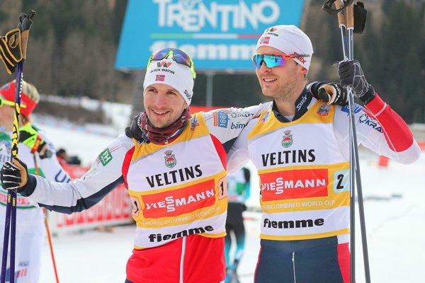Nóri Jan Schmid (vľavo) a Jörgen Graabak.