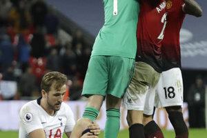 Hráči Manchestru United sa radujú z víťazstva.