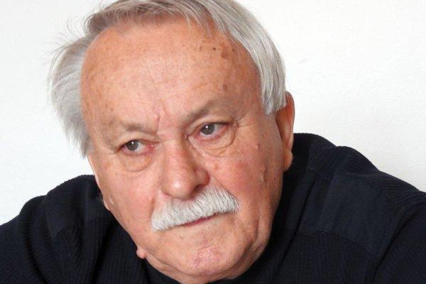 Meno Stanislava Siebenšticha sa spája s krupinským divadelným ochotníckym súborom.