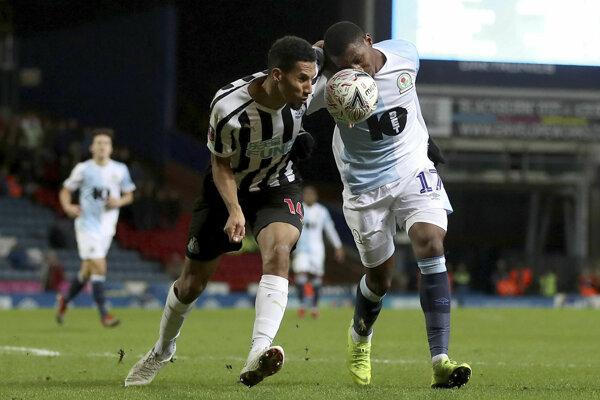 Momentka zo zápasu Blackburn - Newcastle.