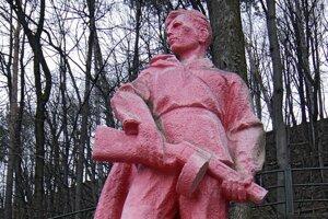 Ružový partizán pod Urpínom.
