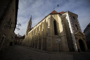 Ostatky svätice opatrovali v Prešporku.