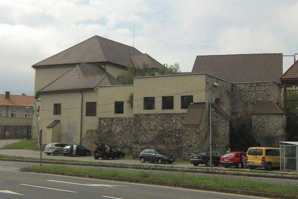 Najstaršiu architektonickú pamiatku v Ružomberku by sa dalo využiť aj na reprezentačné účely.