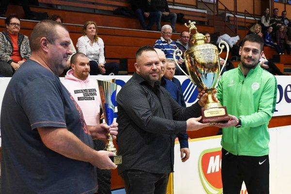 Hlavná trofej putuje do Budapešti.