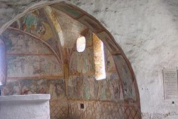 Liptovské múzeum žiada pre tento rok od ministerstva kultúry 64 885 eur na reštaurovanie jedinečnej výzdoby kostolíka v Ludrovej.