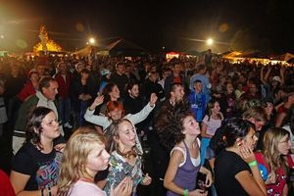 Neváhajte, publikum môže s nadšením prijať aj vaše spevácke vystúpenie.