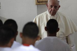 František na návšteve nápravného zariadenia pre mladistvých páchateľov trestných činov v Paname.