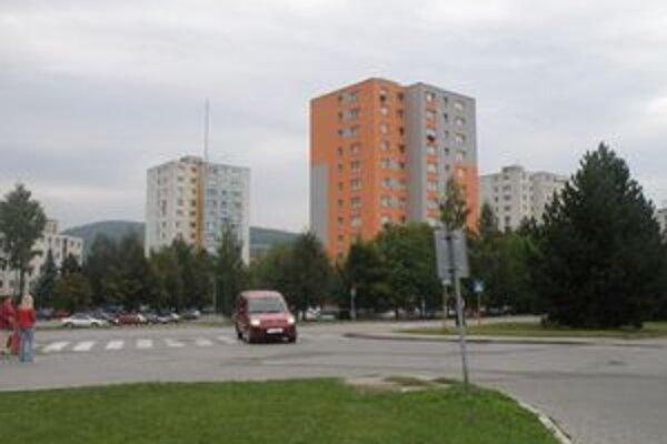 V jednom z týchto bytov sa väzeň ukrýval.